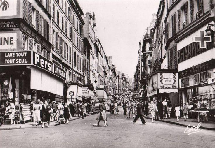 rue des Martyrs - Paris 9ème/18ème L'animation de la rue des Martyrs fin années 1950.