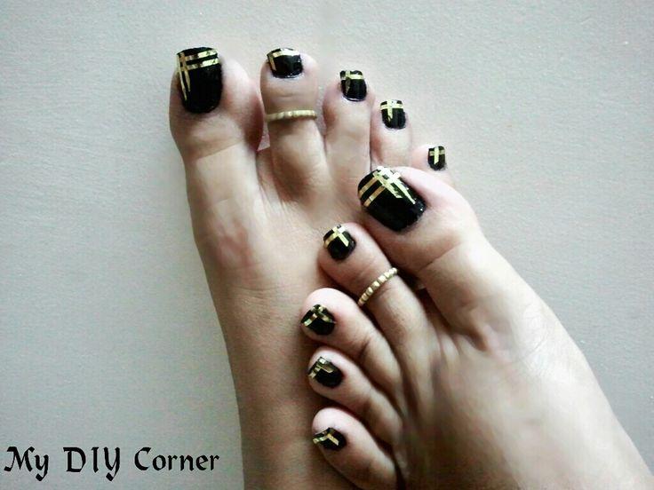 Diy Black Golden Striped Toe Nail Art Nail Toe Art Pinterest