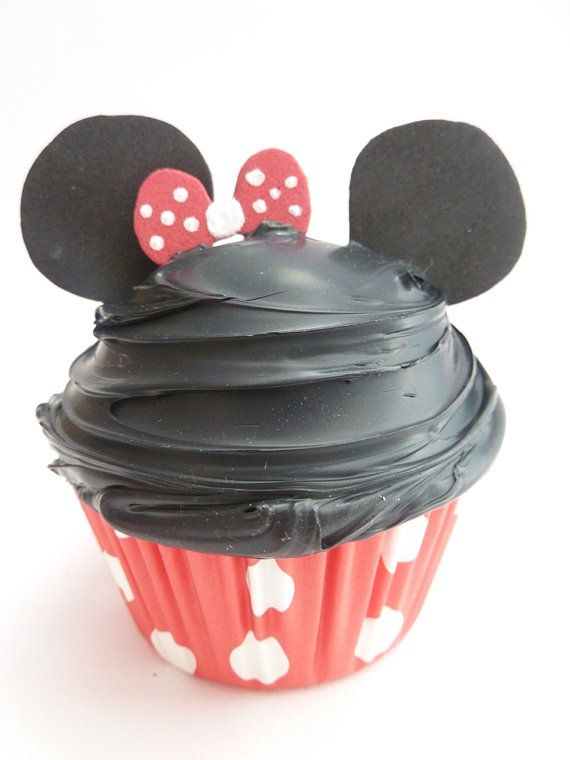 Minnie Mouse CupcakesMinnie Mouse, Faux Cupcakes, Mouse Cupcakes, Fake Cupcakes, Disney, Christmas Ornaments, Theme Baking, Cupcakes Christmas, Christmase Bal