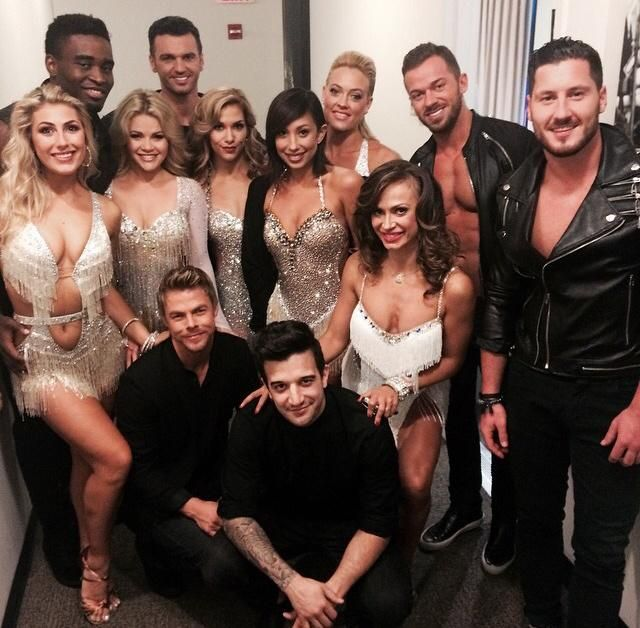 All the DWTS Pros have just danced outside ;) pic.twitter.com/dsYuJMaXhE