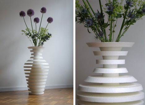 OMG these vases are gorgeous !! How creative ! OOOMS-SchizoVase-