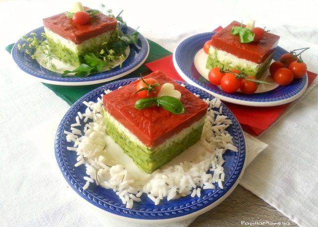 Tortini tricolore di riso con coulisse di pomodoro  Semplice, bello, leggero....buonissimo!