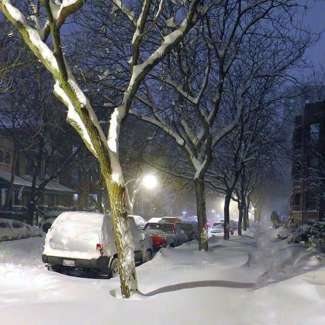 anyway, let's call this a day, and put the head to rest, we will see what tomorrow unfold for us; I should defiantly try to get a sunrise #FingerCrossed ;) #GoodNight #Chicago #Snowy#Sunday #Winter #Wonderland #Uptown #Chicago #Traditional #WindyCity #Weather #Snowmageddon#HappySunday #HappyWeekend