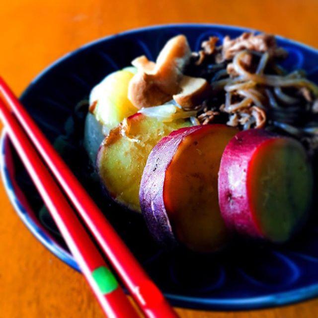 ★★ これまた本に載ってたやつで、さつまいもの肉じゃが風🍠🍠 作ってみました😆  ジャガイモやなくても、さつまいもで作ってもめっちゃおいしかったー‼︎👌 我が家の肉じゃがは牛肉🐃やねんけど、関東は豚肉??なんかな……?💭 . . #おうちごはん #夜ごはん #晩ごはん#和 #朝ごはん#肉じゃが ?#さつまいも#肉 #和食 #手作り #クッキングラム #美味しい #作り置き #料理#写真を撮るのが好きな人と繋がりたい #food #foodporn #sweet #dinner #breakfast #cooking #instagood #beautiful #japan #instafood #like4like #yummy #instalike #homemade #foodstagram