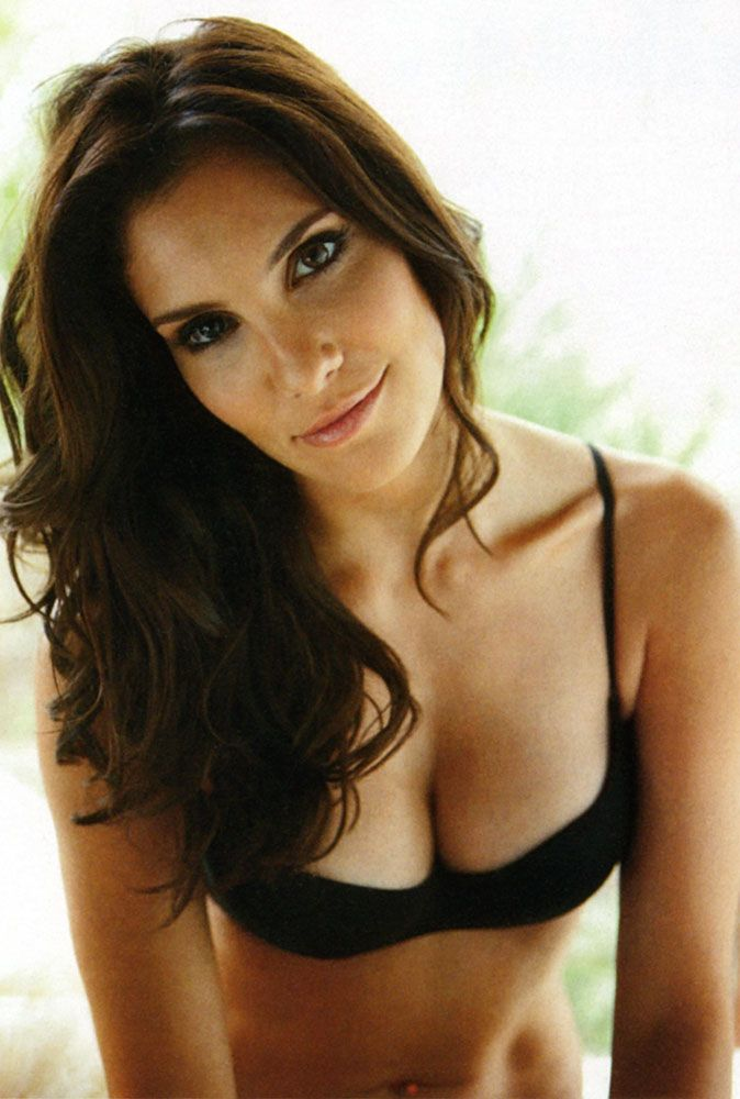 Daniela Ruah Body Measurements | celebrity bra size ...