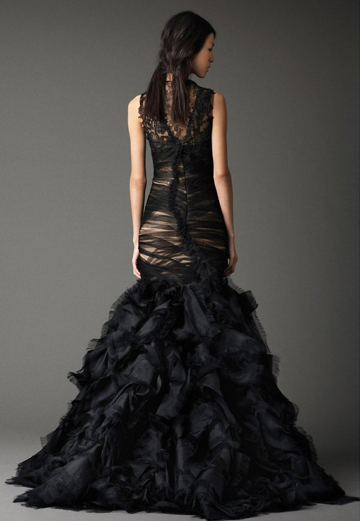 Black wedding dress pictures — photo 9