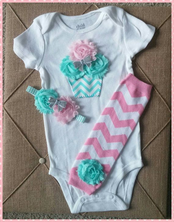 Hey, I found this really awesome Etsy listing at https://www.etsy.com/listing/218614272/baby-girl-cupcake-first-birthday-outfit