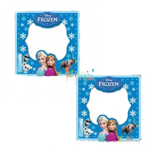 Frozen Magnet Elsa Magnet Ürün ÖzellikleriÜrün Paketinde 1 Adet Karlar Ülkesi Prensesi baskılı ve yapışkanlı magnet bulunuyor.Karton Magnet parlak ve canlı renklere sahiptir.Frozen temalı magnetlerin boyutu 7,8 cm ve kartondan üretilmiştir.Frozen Fotoğraf Çerçevesi Magnetlerin resim konulan kısmının