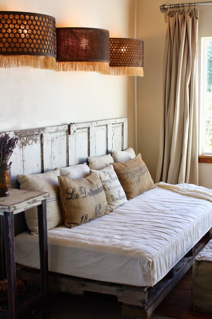 Pallets, twin mattress, old door...My Sweet Savannah: ~Texas part 1~{the vintage round top}