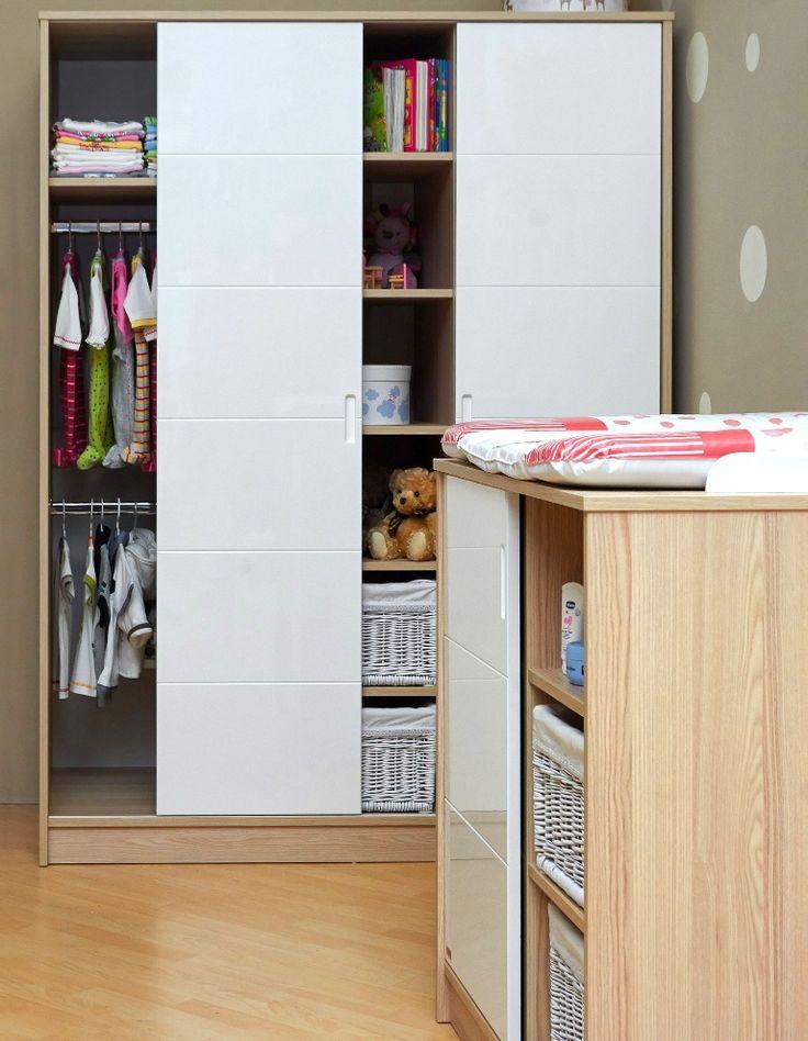 Alda wardrobe with practical sliding door / Alda szekrény praktikus tolóajtóval