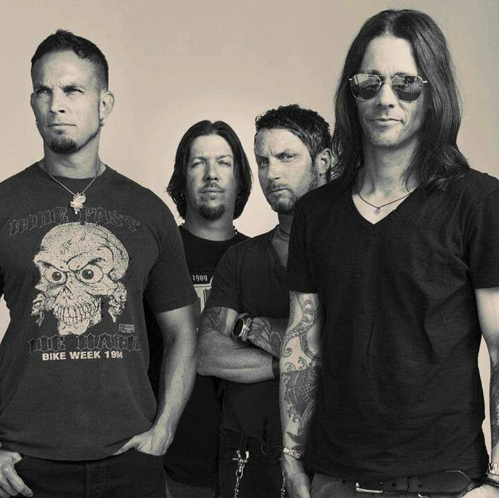 Alter Bridge - Looking back I clearly see what it is that's killing me. Darker days seem to be what will always live in me.