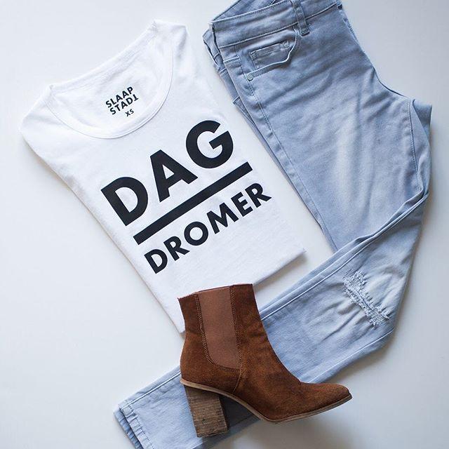 Dag Dromer is een van ons gunstelling designs! Wat dink julle? Beskikbaar online vir R249!