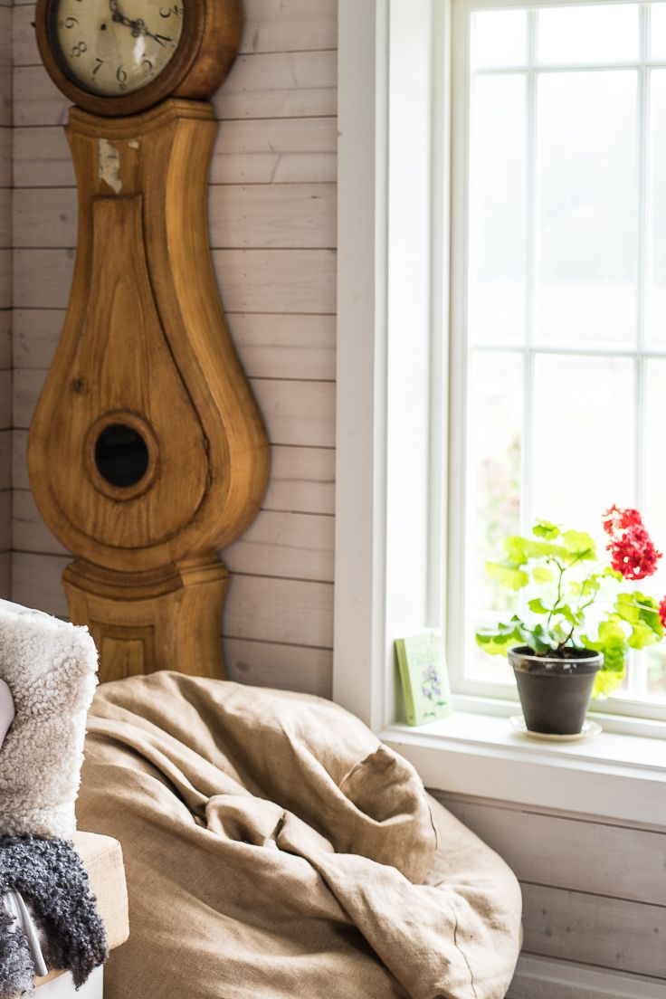 Scandinavian Design Has A Casual Feel Light Interiors An Eclectic Mix Of Antique And