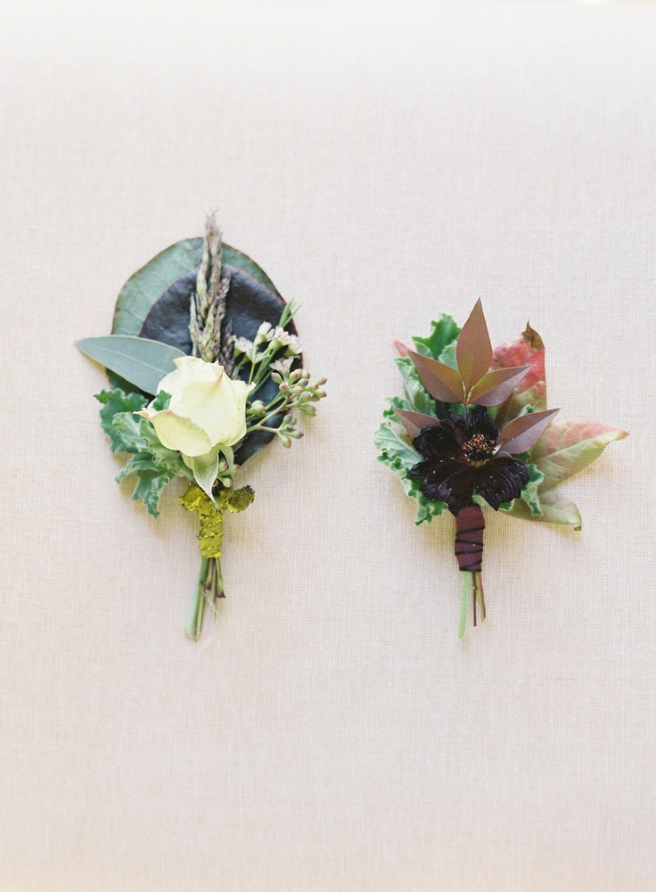 fall wedding boutonniere via once wed