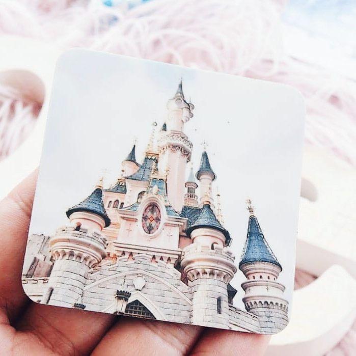 DISNEY ADDICTS  Il nous manque ce chateau ! Il se pourrait qu'on le revoit rapidement  Je l'ai collé sur mon frigo avec mes magnets @cheerz et je vous ai mis un code promo sur le blog et dans les stories. Bonne nuit IG  #cheerz #photo #disney #disneyaddicts #disneylandparis #dlp #disneylandpark #castle @disneylandparis #magiceverywhere #soon #picotheday #photooftheday #famille #blogocrew #travel