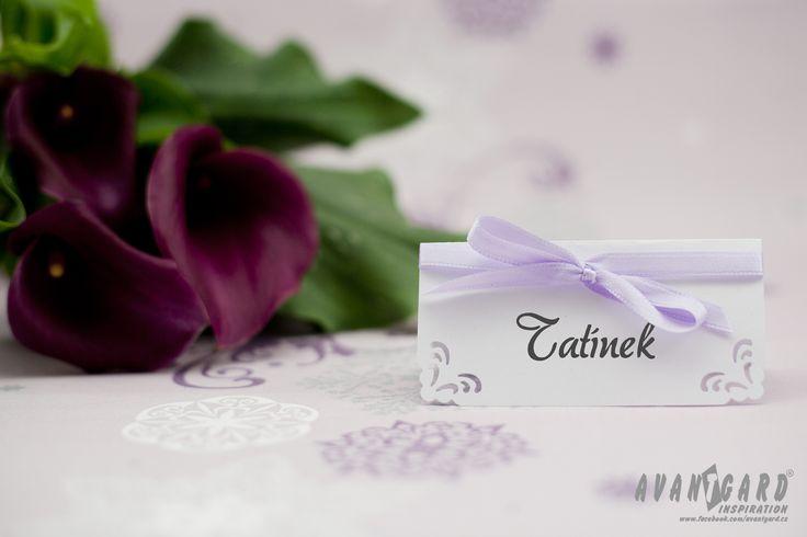 Fialové kaly a jmenovka /// Violet calla /// Violet wedding inspiration