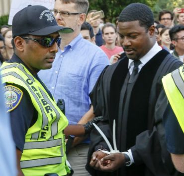 Pt. 2/2: Rev. Jonathan Walton is arrested along with 30 other faculty members at the entrance of Harvard University Sept. 7, 2017.