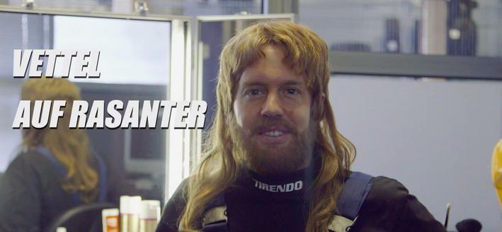 Video: Sebastian Vettel spielt wilden Automechaniker - Vettel als Assi #slotcar #autorennbahn