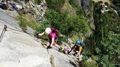 Der Colodri Klettersteig am Gardasee eignet sich ganz hervorragend zum Ausprobieren mit Kindern. Ein kurzer Zustieg und spannender, nicht zu schwerer Steig!