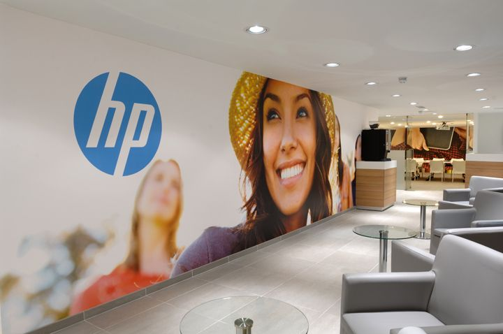 HP Total Care Center by Briggs Hillier, London store design