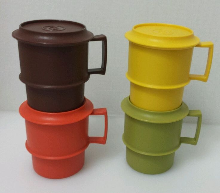 4 Vintage Tupperware Harvest Mugs Cups with Lids Coasters 8 Pc Set Lot 1312