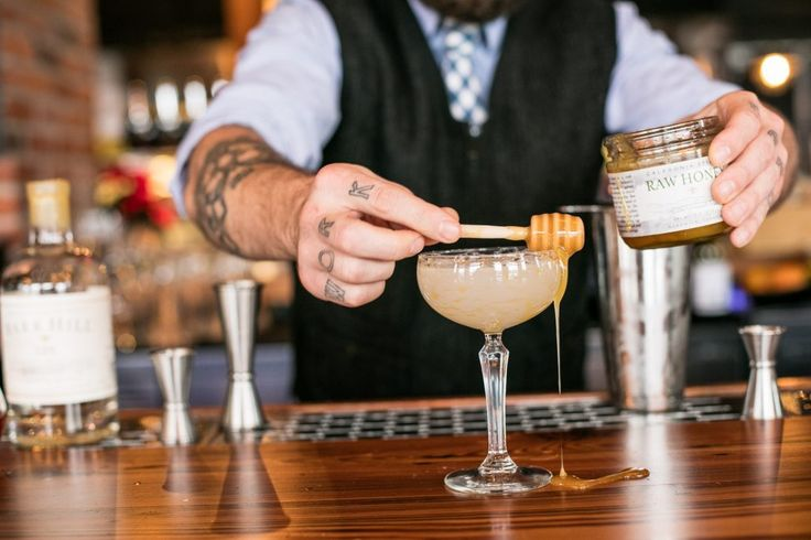 Learn how to prepare 3 of the most popular and tasty cocktails, by booking one of our cocktails classes