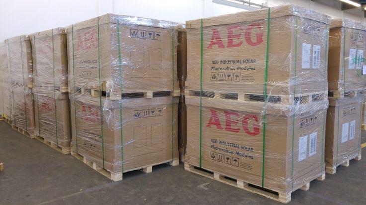 Neue AEG Photovoltaik Module AEG AS-M605-290 das 290 Watt und AEG AS-M605-300 das 300 Watt Hochleistungsmodul mit Perc Technologie. 60 monokristalline Zellen, weiße Rückseitenfolie, silber eloxierter Aluminiumrahmen, zuverlässige hohe Erträge 10 Jahre Produktgarantie 25 Jahre (mit garantierten 97 % […] Artikel lesen  http://photovoltaik.granzow.de/neue-aeg-photovoltaik-module-as-m605-290-as-m605-300-und-as-m605b-290/