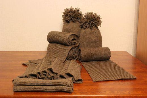 Pipo, kaulaliina, ranteenlämmittimet, säärystimet, joustinneule, suomenlampaan villa, joulu, tilauksesta, neuleita, neuloa, neulominen, beanie, scarf, wrist warmers, ankle warmers, rib, Finnsheep wool, Christmas, customized, knitwear, knit, knitting