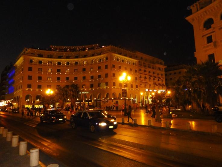Thessaloniki , Aristotelous Square by night.