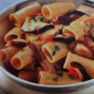 LE GUSTOSE RICETTE  DI NONNA MARIA: Maccheroni con porcini e pomodoro