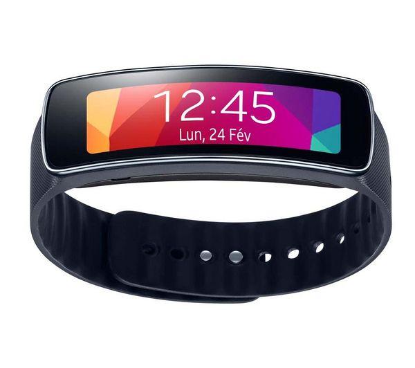 Il GALAXY Gear Fit di Samsung è molto più che un semplice orologio: si tratta di un vero e proprio concentrato di tecnologie di prima scelta, che ti faranno rimanere in contatto con i tuoi cari, vivendo al meglio tutti i tuoi intrattenimenti multimediali.