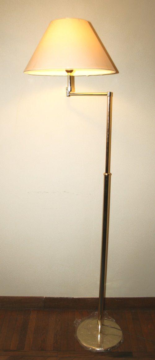 Lampada piantana ottone allungabile. H. cm. 165. http://www.pisanogenova.it/catalogo/105-lampada-piantana-ottone-allungabile