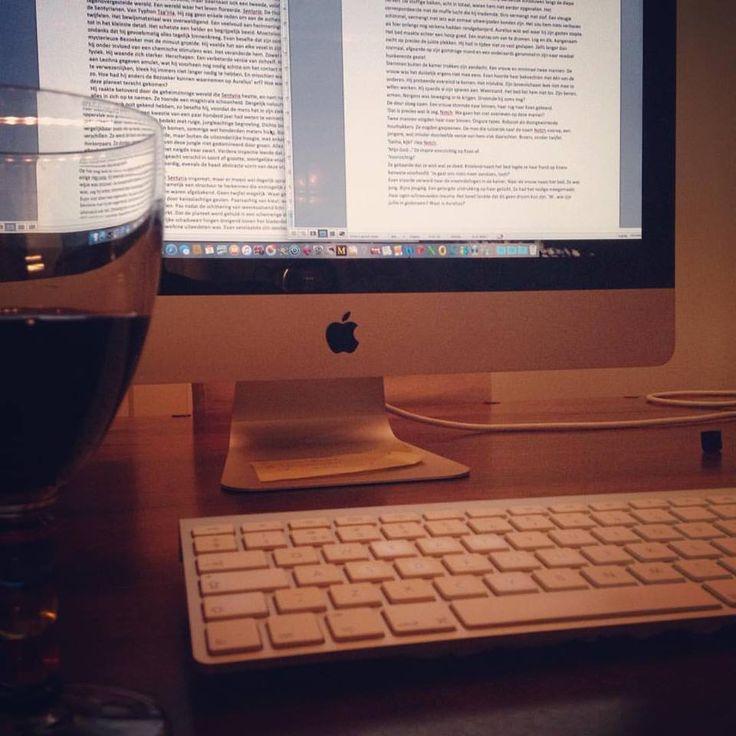 Goed nieuws, auteur Koen Romeijn is druk bezig met het vervolg op de spannende scifi thriller 'De Strop Ploeg'. #destropploeg #koenromeijn #scifi #thriller #futurouitgevers
