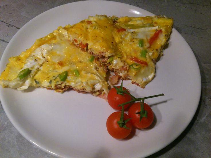 Zvířátkový den - vaječná omeleta se šunkou a zeleninou