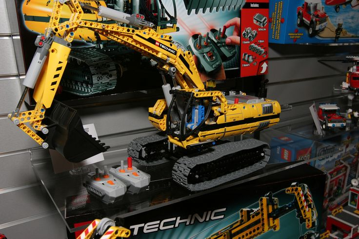 LEGO Technic - 8043 Motorized Excavator