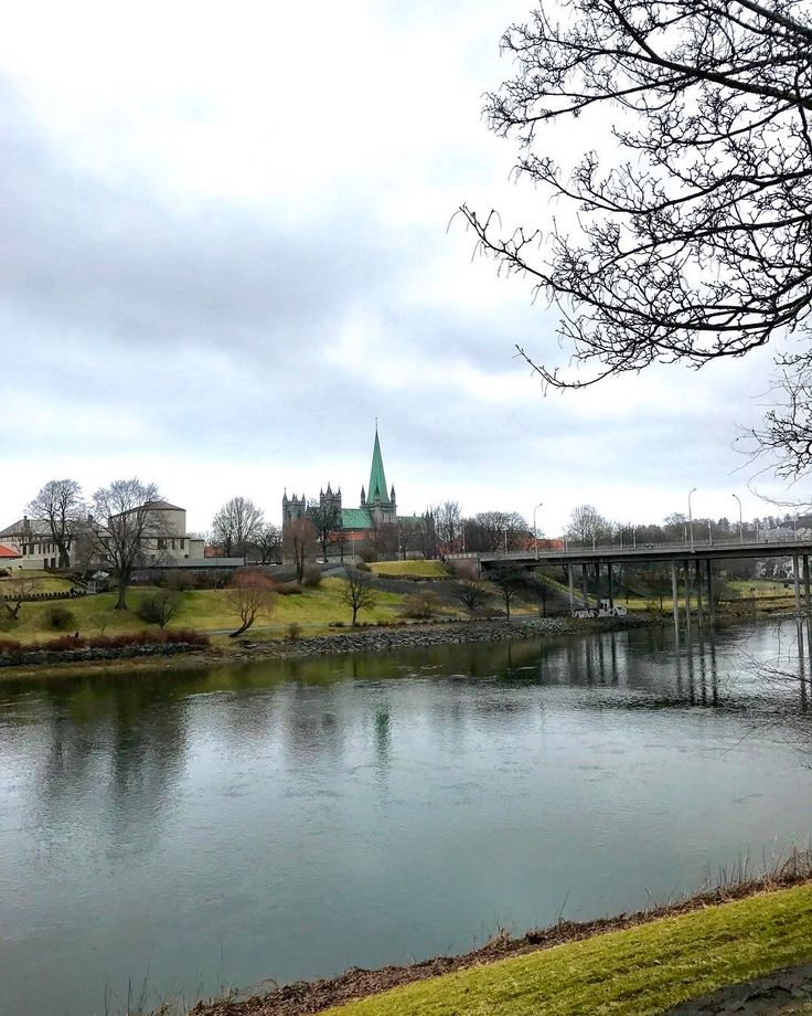 🌺🍃Mona Eidem🍃🌺 @monaeidem - By the river again #nidel...Yooying