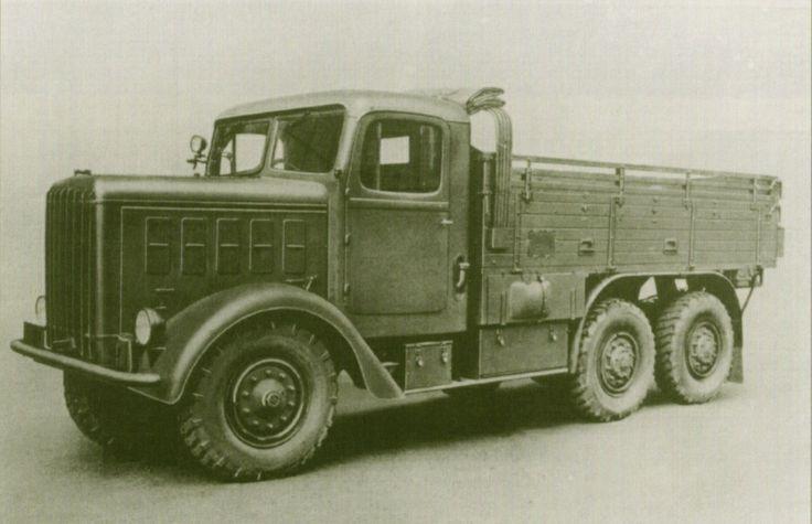 Škoda S vyráběný Akciovou společností, dříve Škodovy závody v Plzni od léta 1935. Branná moc převzala do podzimu 1938 přes 400 vozů ve valníkovém i nástavbovém provedení.