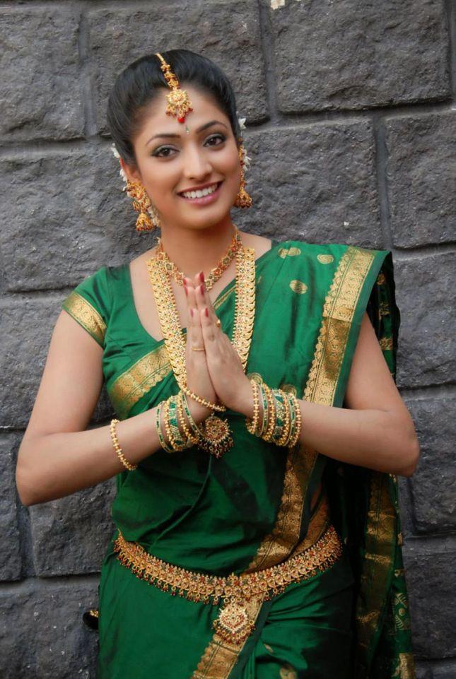 Beautiful Photos of Actress Haripriya in Green Saree