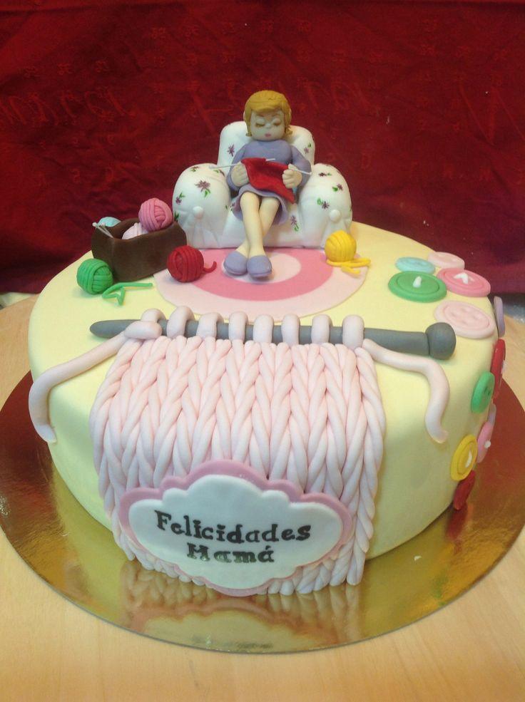 Knitting fondant cake