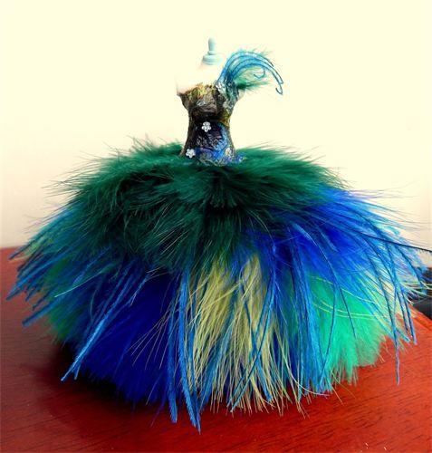 Belle of the Ball - STUNNING peacock themed fairytale ball gown. VERY full fluffy skirt ♥