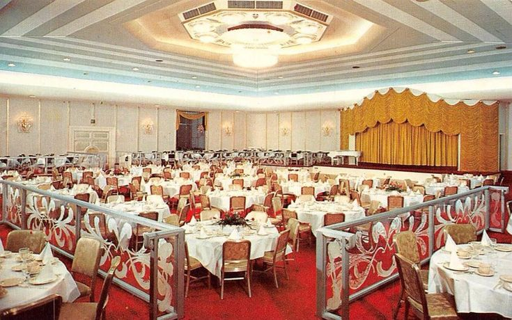 Retro Houston  ·  THE EMERALD ROOM of the Shamrock Hotel was one of the nation's premiere hotel ballrooms. It measured 103' x 103' with out any obstructing columns. It would seat 1250 for banquets and 1200 for meetings.