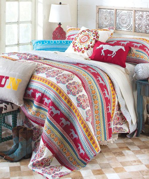 Best 25 horse bedding ideas on pinterest horse rooms for Cowgirl bedroom ideas for kids