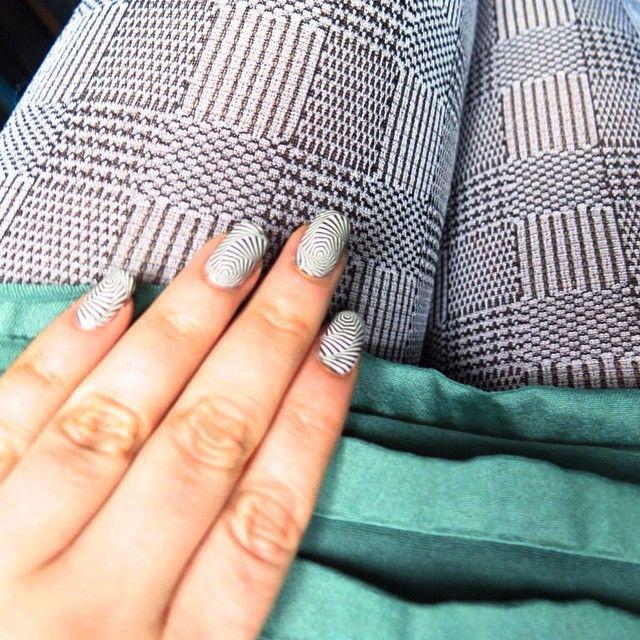 #nailart #matching #gights #blackandwhite #mix #stamping #dress #notd #ootd