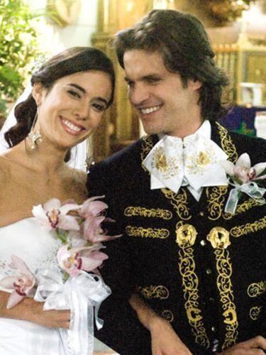 Mark Tacher y Carolina Ramírez (Emiliano y Rosario) en la novela La Hija del Mariachi.