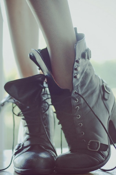 Black boots that are perfection. Love the toe strap.