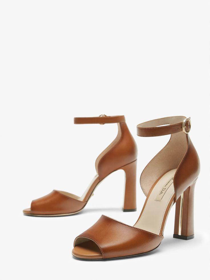 SANDALIA PIEL CUERO de MUJER - Zapatos - Ver todo de Massimo Dutti de Primavera Verano 2017 por 79.95. ¡Elegancia natural!