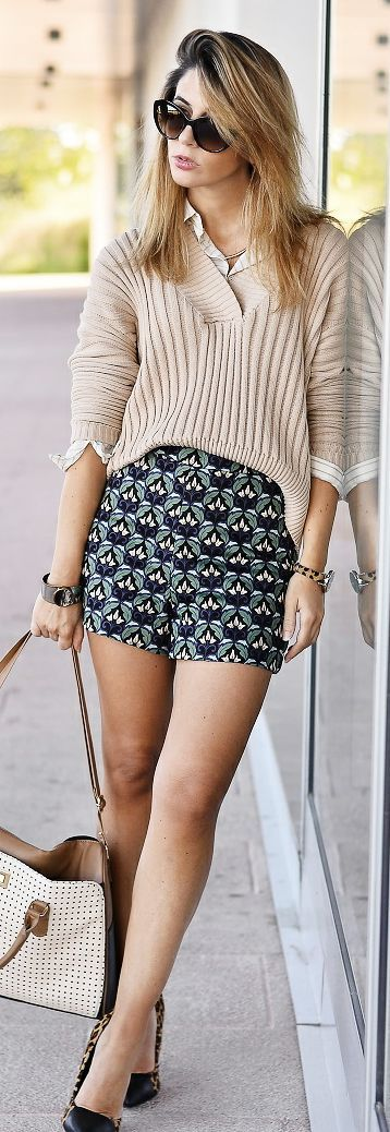 Ma Petite By Ana Beige V-neck Sweater Patterned Shorts Fall Inspo