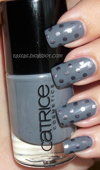 NAILS- matte with glossy polka dots in the same colors