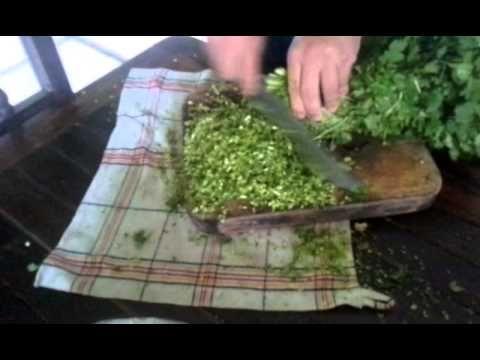 COMO PICAR CILANTRO -Tips para cocina |  aprende a picar cilantro facil | Fuente.  by4n1ma