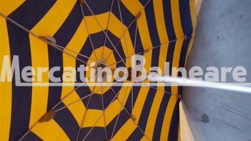 Ombrelloni professionali per spiaggia in alluminio  ALL. PEZZI 105 X 45.00 CAD. + IVA - Mercatino Balneare ombrelloni all. modello prestige 100/10 in buono stato, palo cm 130 baionetta, tela rigata blu/giallo, panta cucita, prezzo cadauno iva esclusa. Quantità:105 Prezzo €45.00+iva  https://www.mercatinobalneare.it/?job_listing=ombrelloni-professionali-per-spiaggia-in-alluminio-all-pezzi-105-x-45-00-cad-iva  #stabilimentobalneare #attrezzaturabalneare #attrezzatura